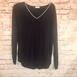 Vince Classic Black V-Neck Long Sleeve Pullover-S